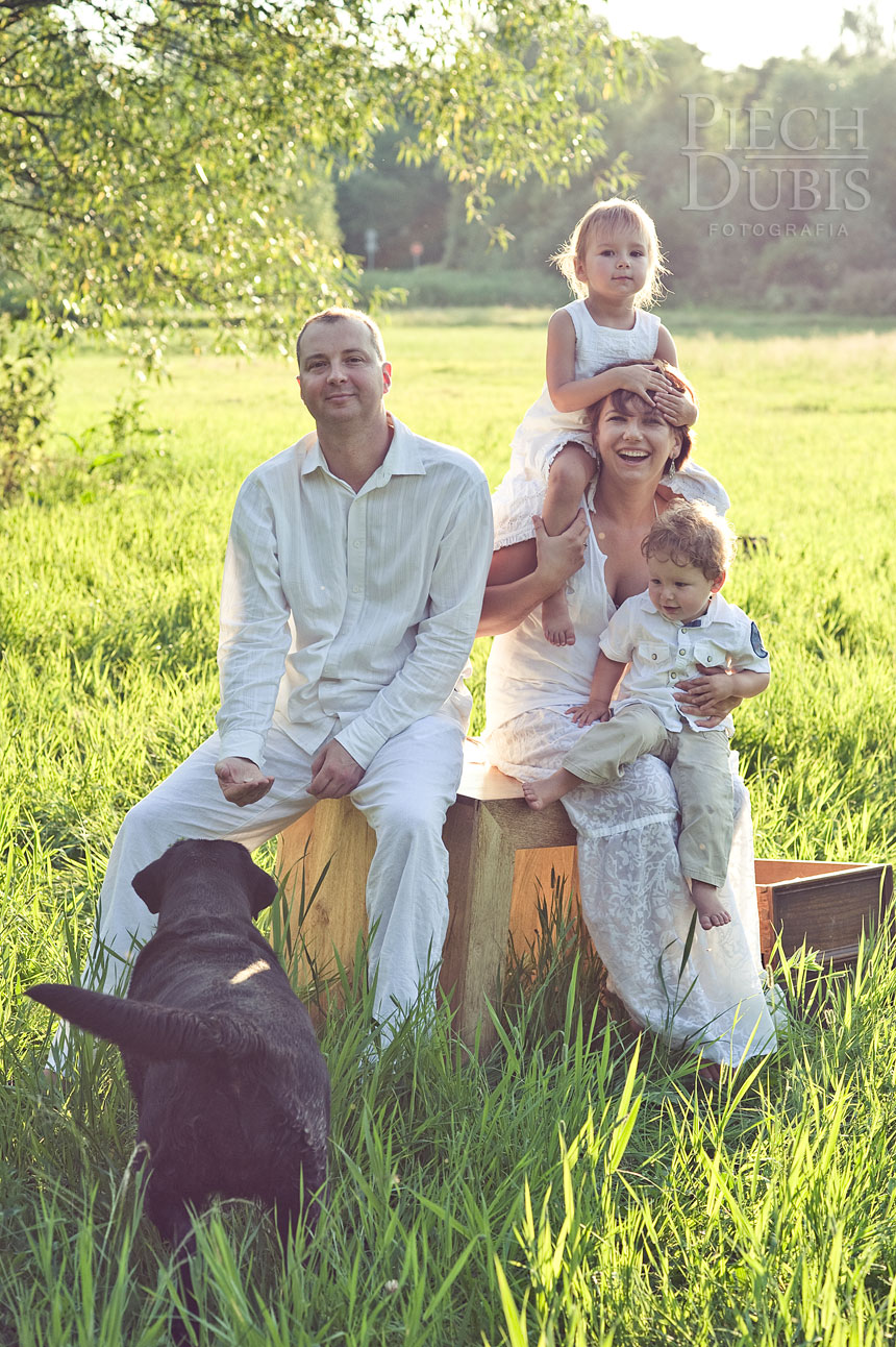 Ada i Tomek z rodzinką  36