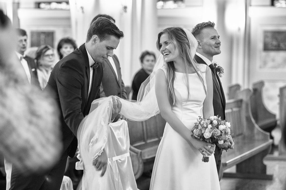 Kamila i Adrian - fotoreportaż ślubny 50