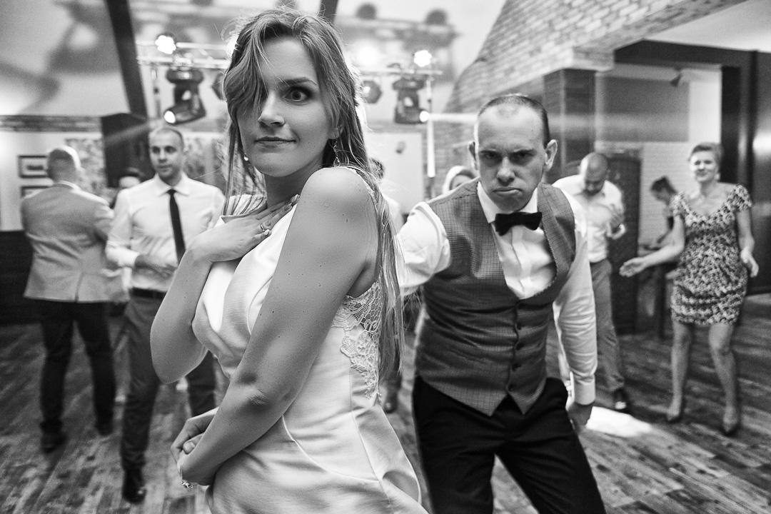 Kamila i Adrian - fotoreportaż ślubny 107