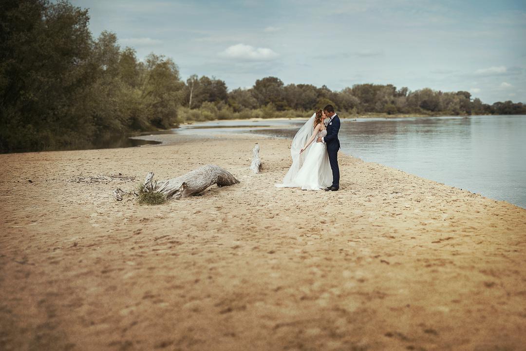 Plener ślubny w Warszawie na plaży 31