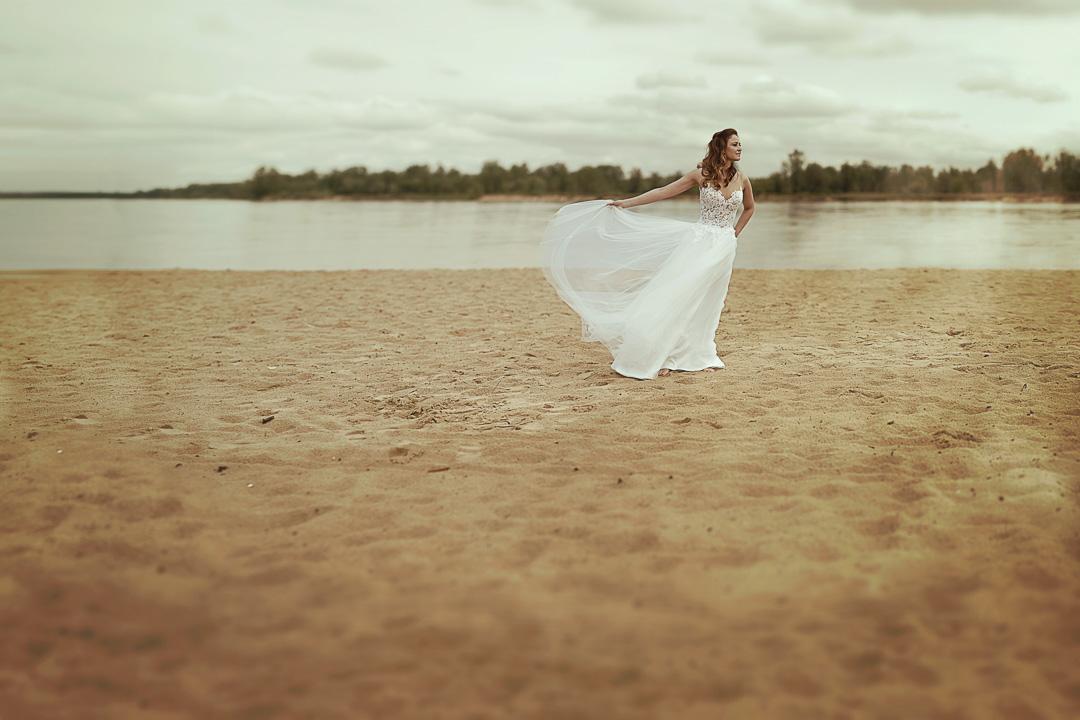 Plener ślubny w Warszawie na plaży 26