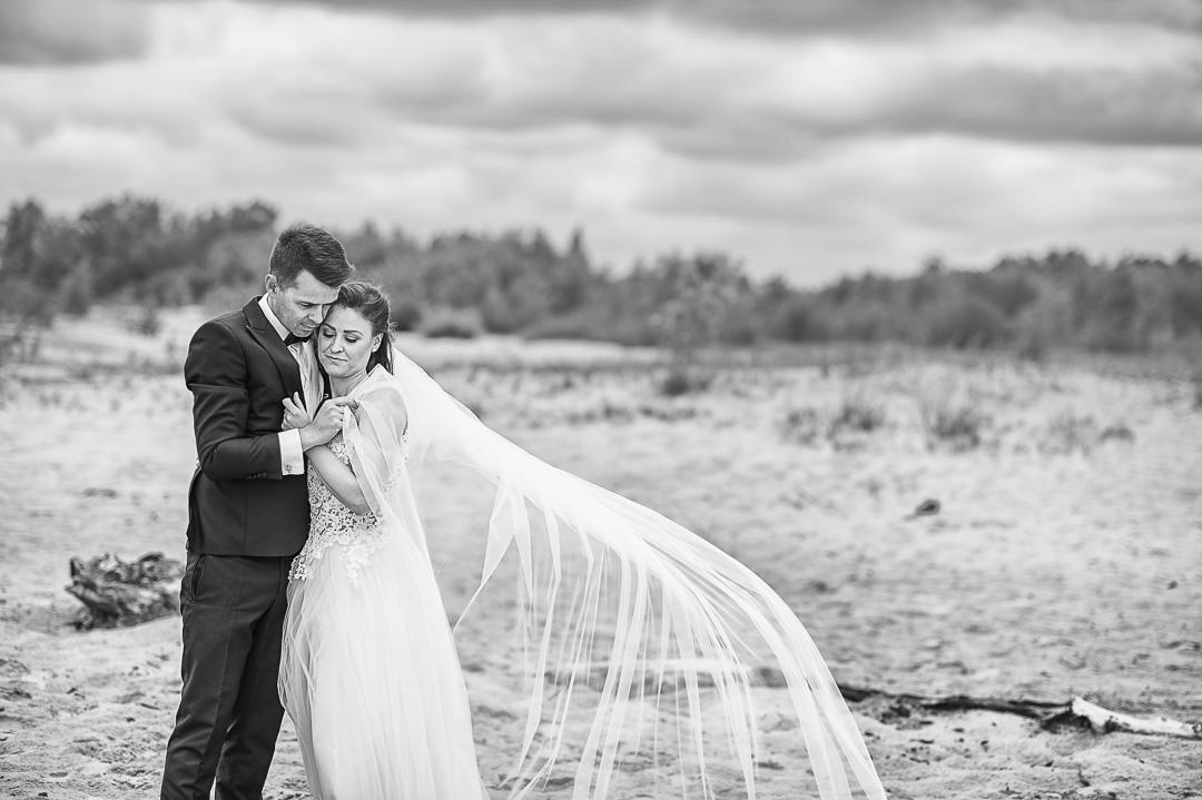 Plener ślubny w Warszawie na plaży 22