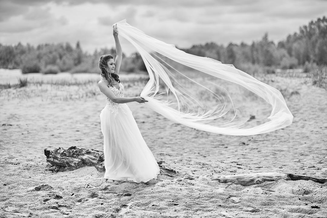 Plener ślubny w Warszawie na plaży 16