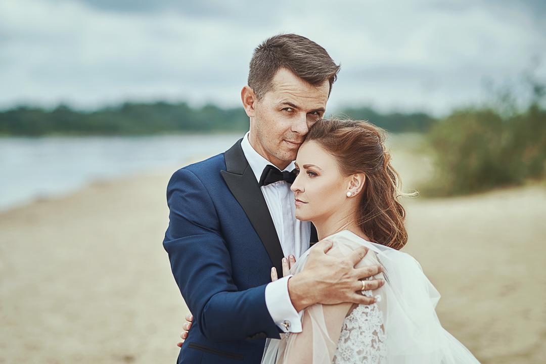 Plener ślubny w Warszawie na plaży 11