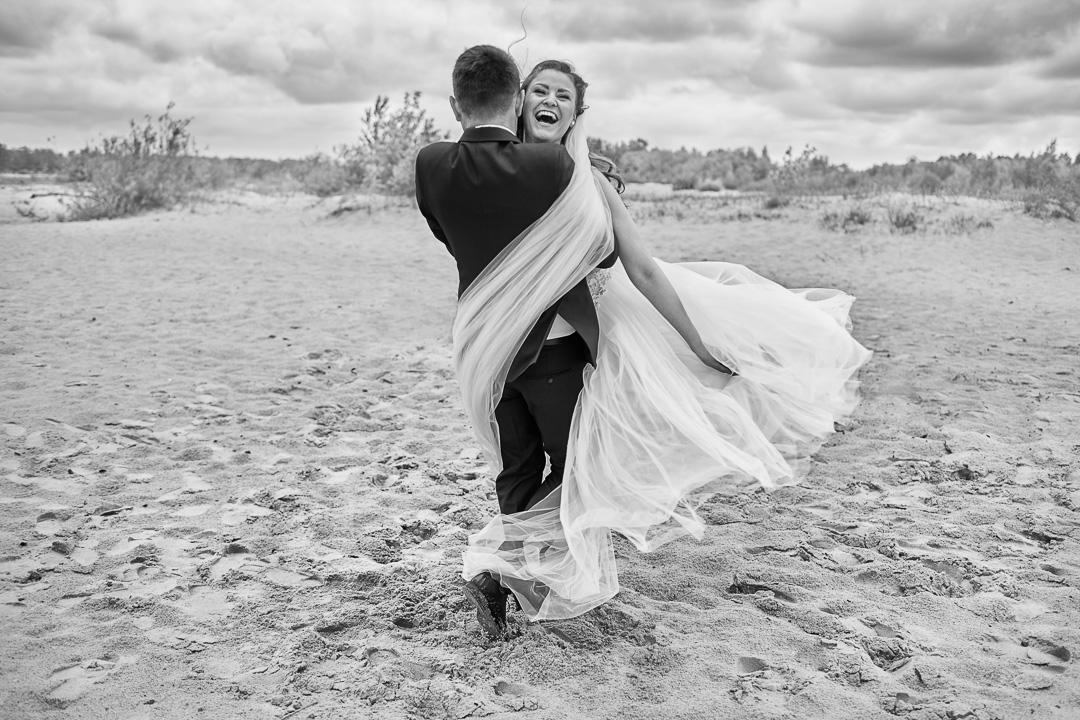 Plener ślubny w Warszawie na plaży 10