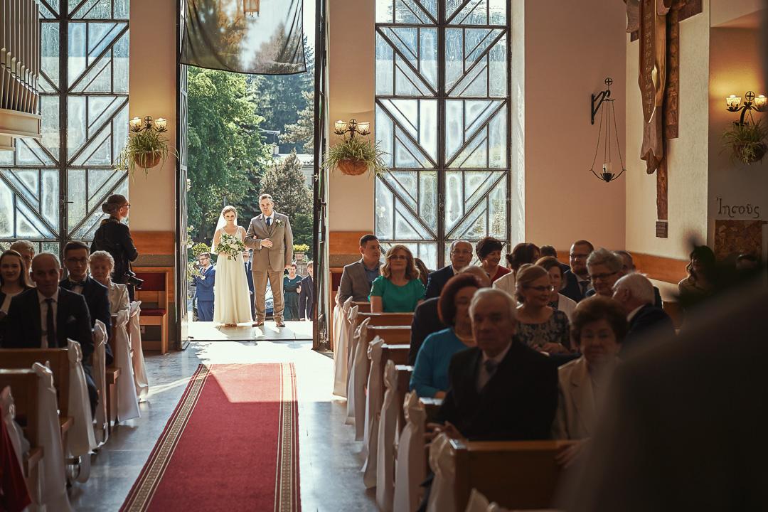 Fotoreportaż ślubny w Pałacyku Otrębusy 13