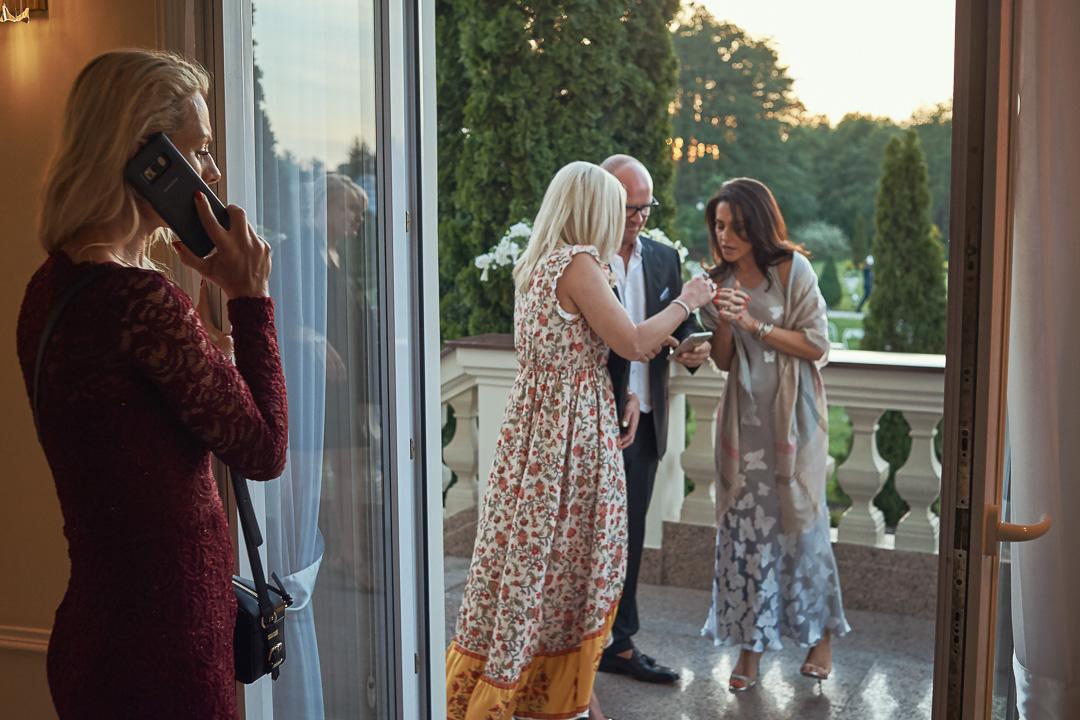 Fotoreportaż ślubny w Pałacyku Otrębusy 27