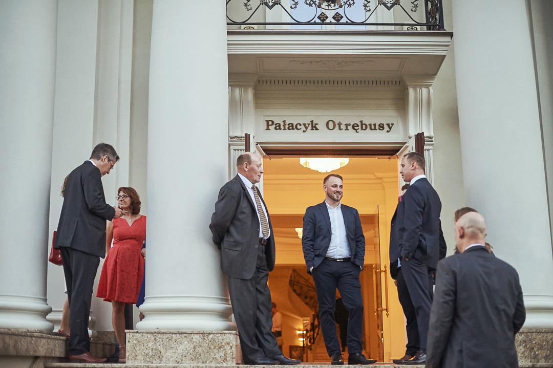 Fotoreportaż ślubny w Pałacyku Otrębusy 28
