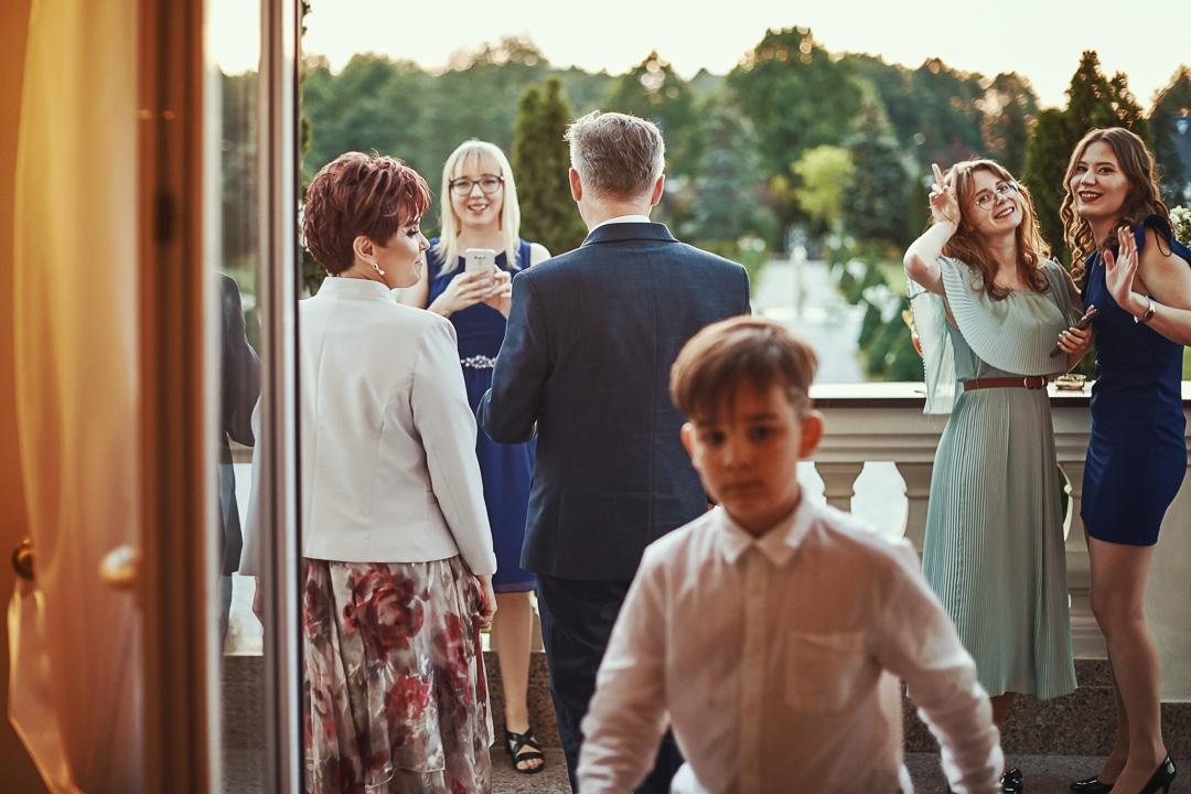 Fotoreportaż ślubny w Pałacyku Otrębusy 31