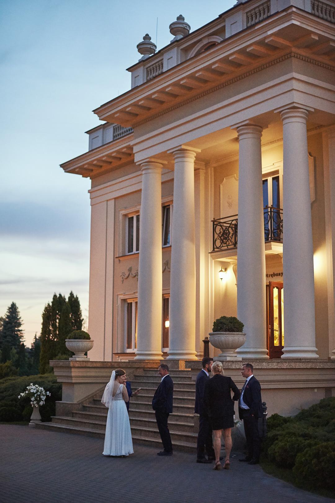 Fotoreportaż ślubny w Pałacyku Otrębusy 34