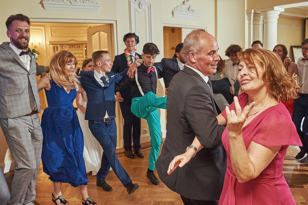 Fotoreportaż ślubny w Pałacyku Otrębusy 37
