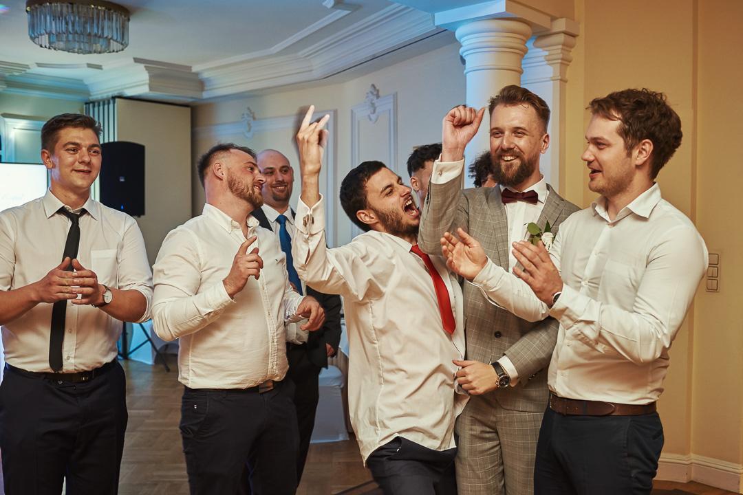 Fotoreportaż ślubny w Pałacyku Otrębusy 49