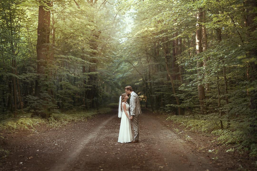 Leśny plener ślubny w Warszawie 1