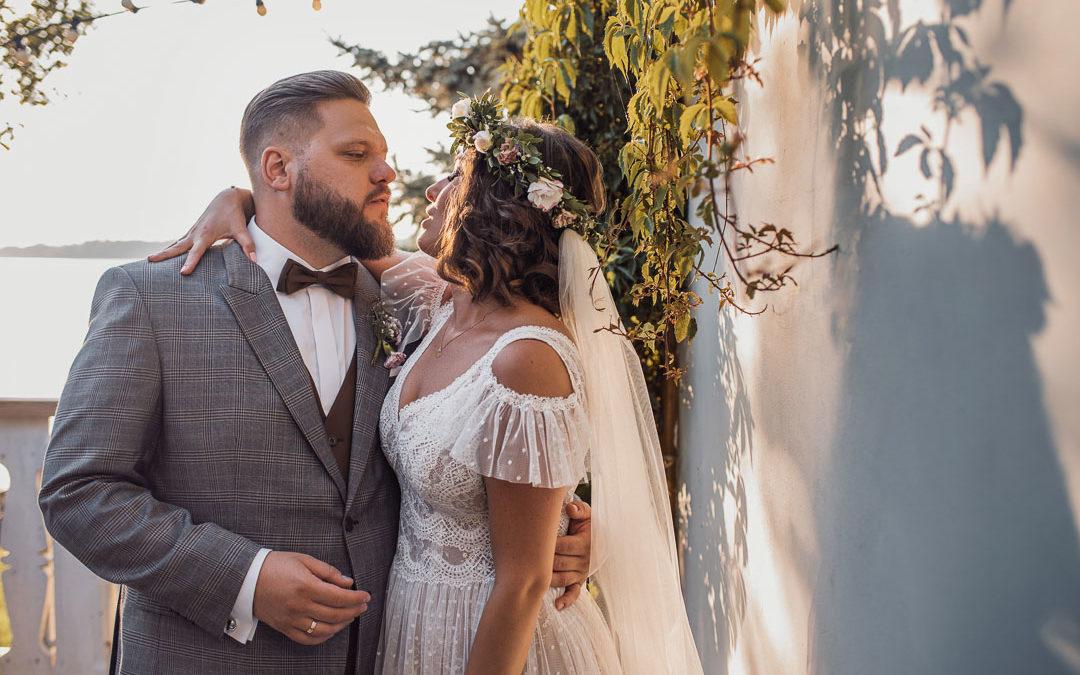 Fotoreportaż ślubny w nowej rzeczywistości – Folwark u Różyca